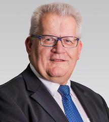 """Portraitbild vom Experten """"Josef Stern"""""""
